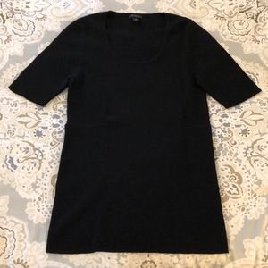 Black Scoop Neck short sleeve sweater from AT